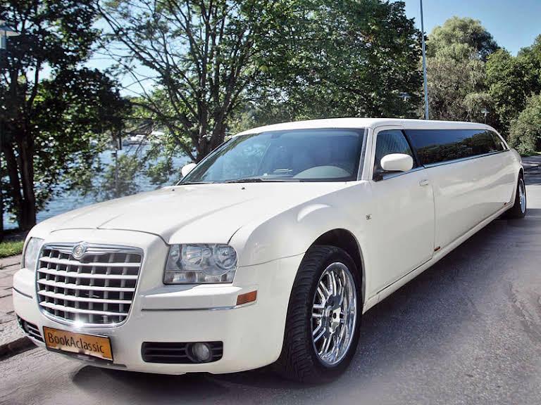 Hyre Chrysler 300C Limousine Göteborg Hire Göteborg